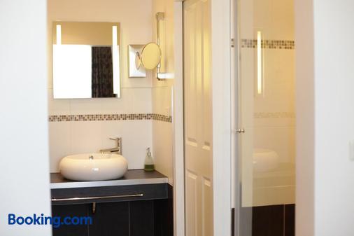 Hotel Wilhelm Busch - Norderstedt - Bathroom