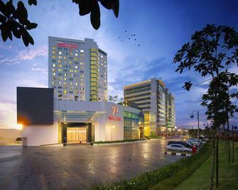 Première Hotel - Klang - Gebäude