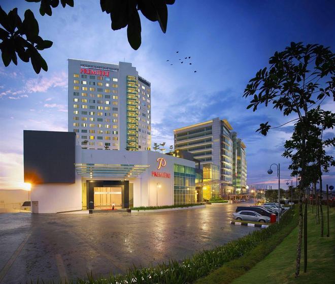 Premiere Hotel - Klang - Rakennus