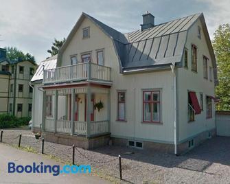 Gröna Lena - Sunne - Building