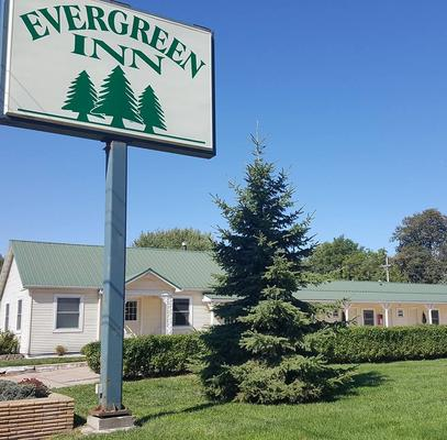 Evergreen Inn - Osceola - Building