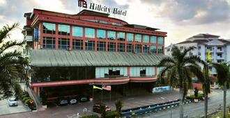 Hillcity Hotel & Condo - איפו