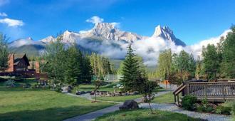 Banff Gate Mountain Resort - Dead Man's Flats - Outdoors view