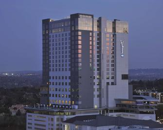 Radisson Blu Hotel Sandton, Johannesburg - Johannesburg - Building