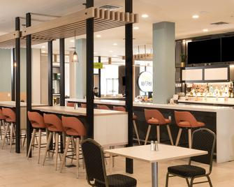 Holiday Inn Hotel & Suites - Mount Pleasant - Mount Pleasant - Bar