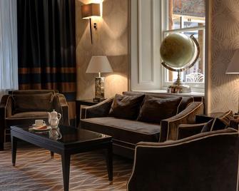 Best Western Shrubbery Hotel - Ilminster - Living room