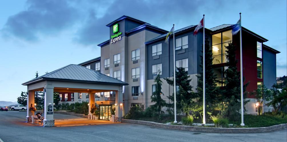 Holiday Inn Express Kamloops Rm 334 R M 4 1 9 Best Kamloops Hotel Deals Reviews Kayak