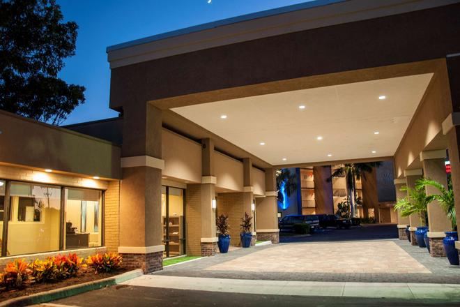 Best Western Fort Myers Waterfront - North Fort Myers - Edificio
