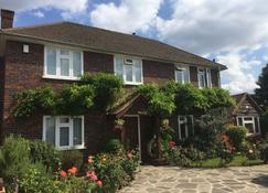 Clay Farm Guest House - Bromley - Edificio