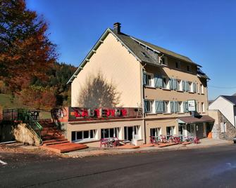 Hôtel Les Mouflons - Le Mont-Dore - Gebäude