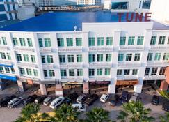 Tune Hotel - 1Borneo Kota Kinabalu - Kota Kinabalu - Edificio