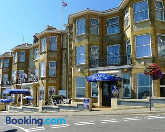 The Royal Pier Hotel - Sandown - Building