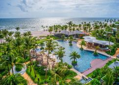 Intercontinental Phu Quoc Long Beach Resort - Фукуок - Бассейн
