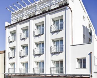 Residence Grandi Magazzini - Nuoro - Gebouw