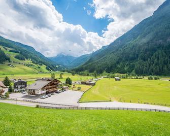 Hotel Bacher - Riva di Tures - Buiten zicht