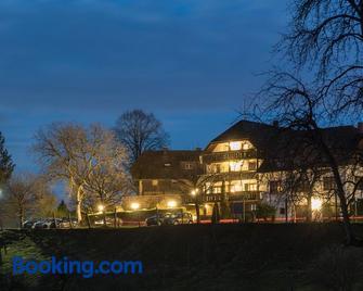 Gasthof Hotel Hirschen - Neuenweg - Gebouw