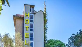 Hotel Real - Florence - Building