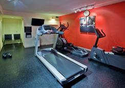 Country Inn & Suites By Radisson, Saskatoon, Sask - Saskatoon - Gym