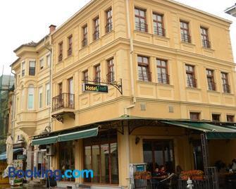 Hotel Treff - Бітола - Building