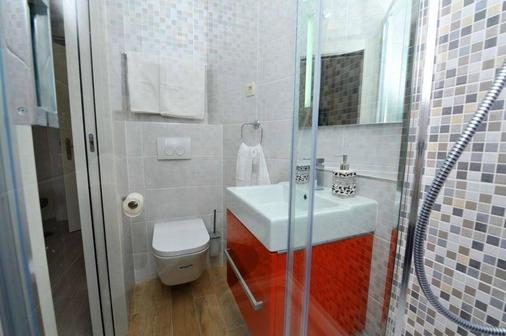 Palace Queen Mary Luxury Rooms - Split - Bathroom