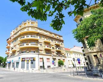 Metropole Luxury Rooms - Split - Building