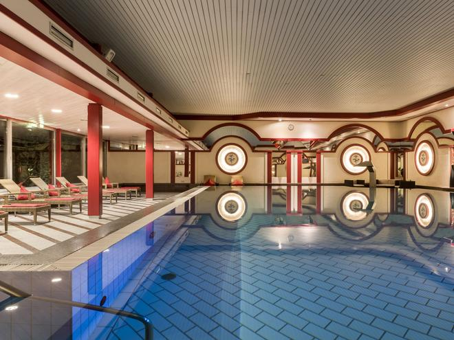 Maritim Hotel Bad Wildungen - Bad Wildungen - Pool