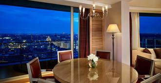 The Park Tower Knightsbridge, A Luxury Collection Hotel - לונדון - מרפסת