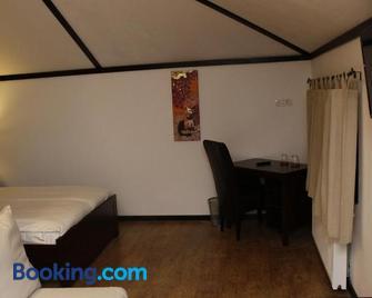 La Livada - Отопені - Bedroom