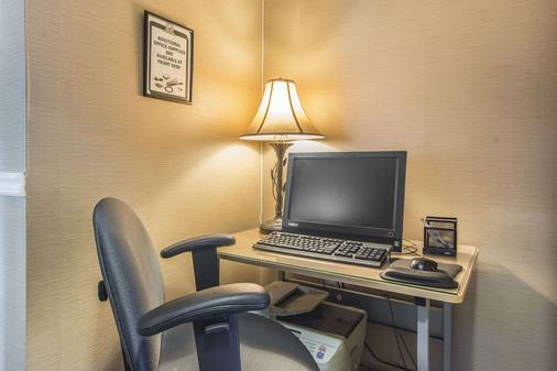 Comfort Inn - Huntsville - Business centre