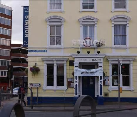 The Station Hotel - Gloucester - Building