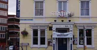 The Station Hotel - Gloucester - Bangunan