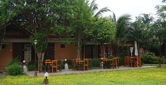 Rommaisaithan Resort - Phrae - Patio