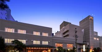 Hanabishi Hotel - האקונדאטה