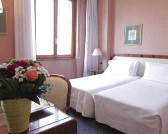 Hotel Bristol - Milan - Bedroom