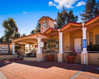 Best Western Plus Riviera - Menlo Park - Building