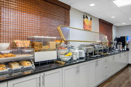 Clarion Suites Duluth I-85 - Duluth - Buffet