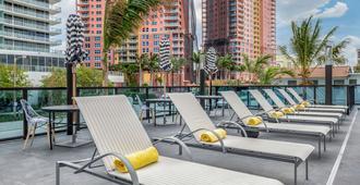 Cambria Hotel Fort Lauderdale Beach - פורט לודרדייל - בריכה
