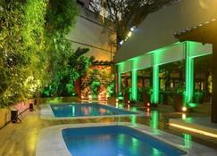 Itaimbé Palace Hotel - Santa Maria - Πισίνα
