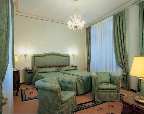 Hotel Bonvecchiati - Венеция - Спальня