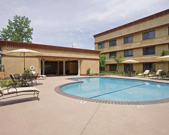 Holiday Inn Sacramento Rancho Cordova - Rancho Cordova - Pool
