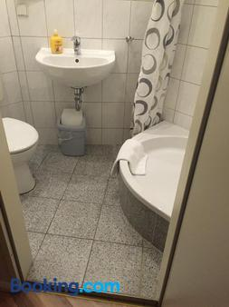 Pension Classic - Berlin - Bathroom