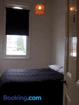 The Western Hotel Hostel - Ballarat - Bedroom