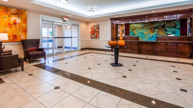 Best Western Plus Waxahachie Inn & Suites - Waxahachie - Lobby