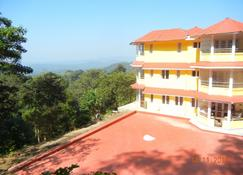 Amritasthanam Guest House And Retreat - Madikeri - Building