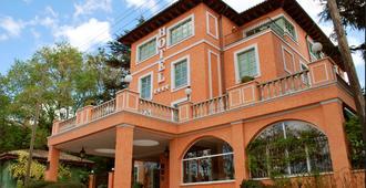 ホテル キンタ デ ロス セドロス - マドリード - 建物