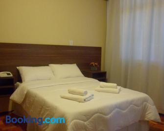 Hotel Embaixador - Cruzeiro - Habitación