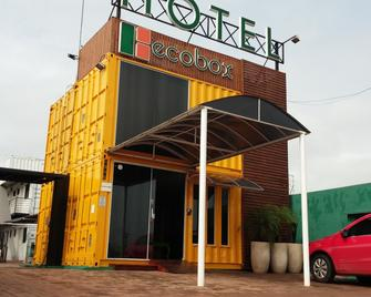 Ecobox Hotel - Três Lagoas - Budova