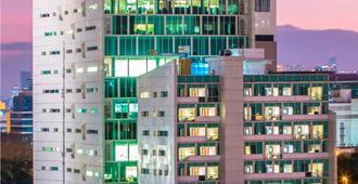 Swiss-Belinn Kemayoran Jakarta - North Jakarta - Edifício