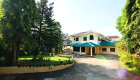 100 Moon Inn - Rangún - Edificio