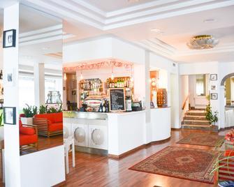 Hotel Vergilius - Річчоне - Front desk